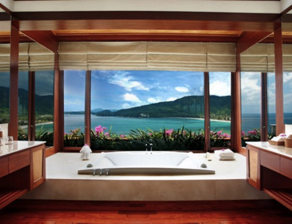 10 Hotel Bathrooms with Stunning Views. To see more Luxury Bathroom ideas visit us at www.luxurybathrooms.eu #luxurybathrooms #homedecorideas #bathroomideas @BathroomsLuxury 10 Hotel Bathrooms with Stunning Views 10 Hotel Bathrooms with Stunning Views 10 hotel bathrooms with stunning views cover 600x460