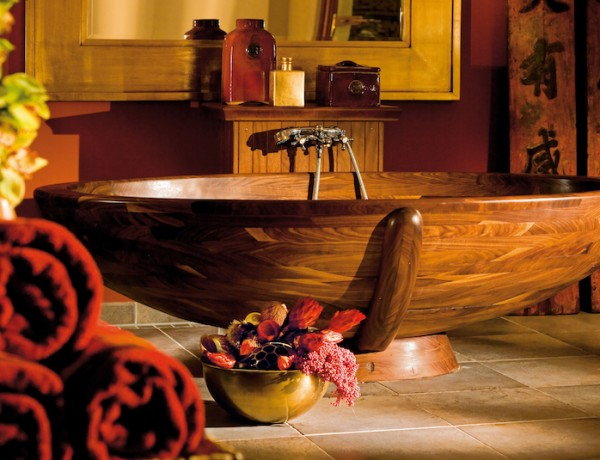 10 Relaxing and Unique Wooden Bathtubs You Will Love Have ➤To see more Luxury Bathroom ideas visit us at www.luxurybathrooms.eu #luxurybathrooms #homedecorideas #bathroomideas @BathroomsLuxury unique wooden bathtubs 10 Relaxing and Unique Wooden Bathtubs You Will Love to Have 10 Relaxing and Unique Wooden Bathtubs You Will Love Have 600x460