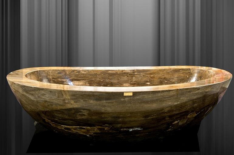 Luxury Bathrooms Blog: Top 10 most luxurious bathtubs ➤To see more Luxury Bathroom ideas visit us at www.luxurybathrooms.eu #luxurybathrooms #homedecorideas #bathroomideas @BathroomsLuxury luxury bathrooms Luxury Bathrooms: Top 10 most luxurious bathtubs 1