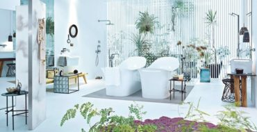 Be Inspired by the Best Spring Ideas for Luxury Bathrooms ➤To see more Luxury Bathroom ideas visit us at www.luxurybathrooms.eu #luxurybathrooms #homedecorideas #bathroomideas @BathroomsLuxury spring decorating ideas for luxury bathrooms Be Inspired by the Best Spring Decorating Ideas for Luxury Bathrooms feat 370x190