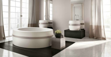 most beautiful bathtubs Make Your Luxury Bathroom Sparkle With The 50 Most Beautiful Bathtubs feat 5 370x190