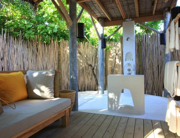 tropical bathroom ideas Be Inspired By Tropical Bathroom Ideas At Six Senses Laamu, Maldives feat 2 600x460