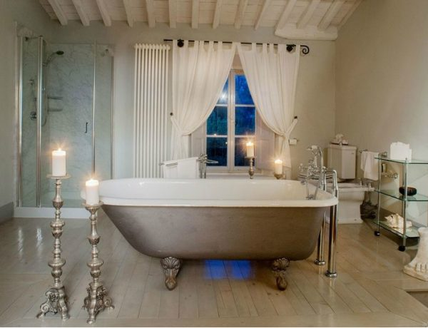 8 Luxurious Hotel Bathrooms That You Need To Visit In 2018 1 ➤ To see more news about Luxury Bathrooms in the world visit us at http://luxurybathrooms.eu/ #luxurybathrooms #interiordesign #homedecor @BathroomsLuxury @bocadolobo @delightfulll @brabbu @essentialhomeeu @circudesign @mvalentinabath @luxxu @covethouse_ Luxurious Hotel Bathrooms 8 Luxurious Hotel Bathrooms That You Need To Visit In 2018 8 Luxurious Hotel Bathrooms That You Need To Visit In 2018 feat 600x460