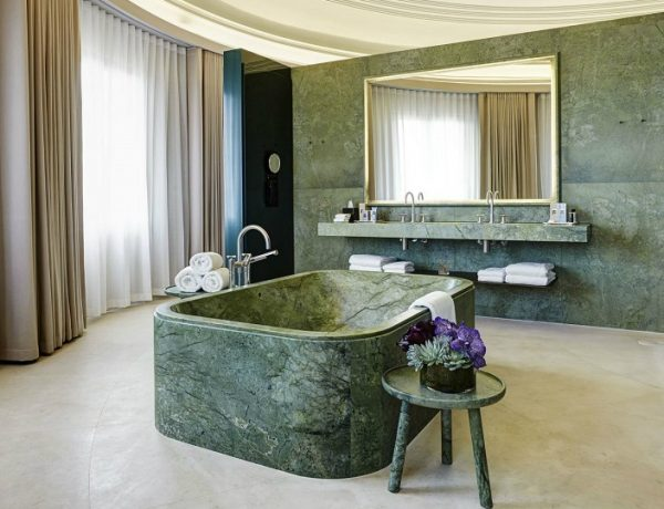 Be Inspired By Green Marble Bathrooms To Upgrade Your Home Decor #luxurybathroomsbrands #luxurybathroomsdesigns #luxurybathroomsimages #greenmarblebathrooms http://luxurybathrooms.eu/5-exquisite-bathtubs-to-enhance-unique-luxury-bathrooms/ @mvalentinabath green marble bathroom ideas Be Inspired By Green Marble Bathroom Ideas To Upgrade Your Home Decor Be Inspired By Green Marble Bathrooms To Upgrade Your Home Decor feat 600x460