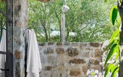 outdoor showers 7 Exceptional Outdoor Showers that Will Leave You Craving for More featured 18 240x150