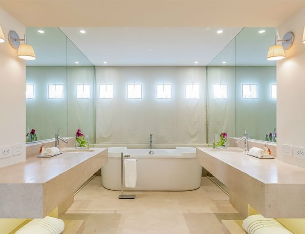 bathroom designs Shakira's Listed Miami Beach Home Features Marvelous Bathroom Designs featured 2 600x460