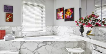 marble bathtubs Prepare Yourself to Be Amazed by a Wide Variety of Marble Bathtubs featured 23 370x190