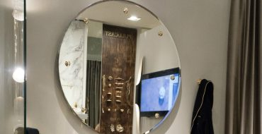 mirror design This Lustrous Mirror Design Provides a Tremendous Effect in a Bathroom featured 6 370x190