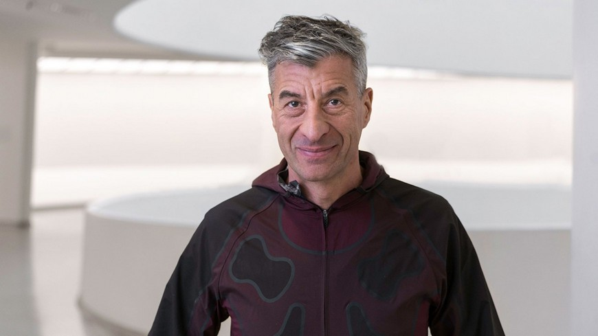 Maurizio Cattelan Is The Author Of The World's Most Expensive Toilet maurizio cattelan Maurizio Cattelan Is The Author Of The World's Most Expensive Toilet Maurizio Cattelan Is The Author Of The Worlds Most Expensive Toilet 4