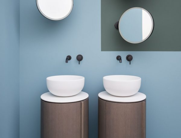 3-freestanding-washbasins-youre-going-to-fall-in-love-with freestanding washbasins 3 Freestanding Washbasins You're Going to Fall in Love With 3 freestanding washbasins youre going to fall in love with 2 600x460