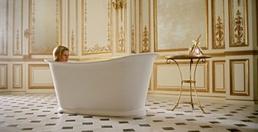 Top-5-Luxury-Bathrooms-in-Film luxury bathroom Top 5 Luxury Bathrooms in Film Top 5 Luxury Bathrooms in Film 4 370x190