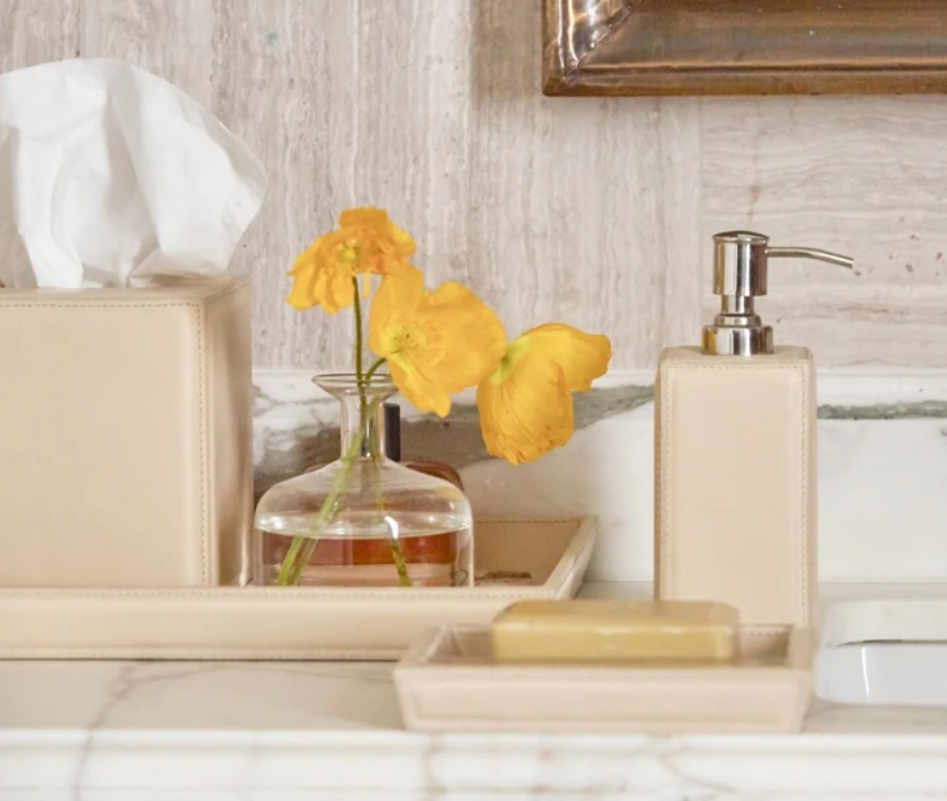 5 Outstanding Leather Bathroom Accessories To Jazz Up Your Decor