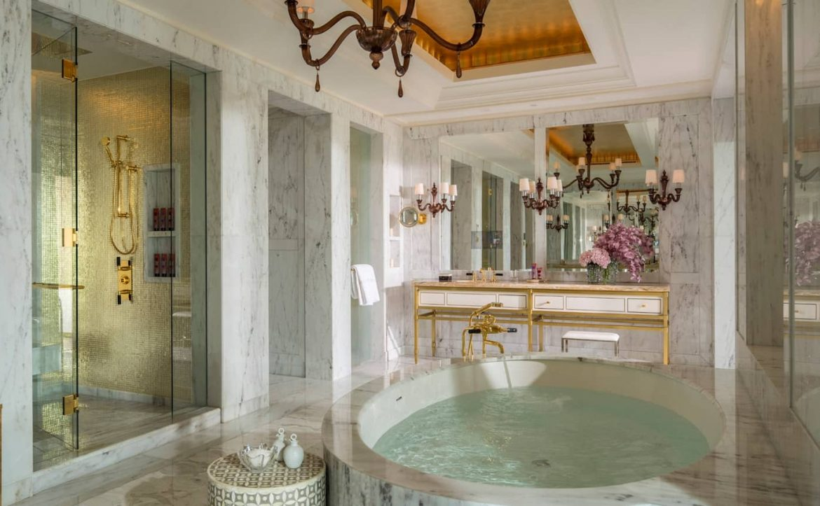 Top 5 Most Amazing Hotel Bathrooms in the Middle East hotel bathrooms in the middle east Top 5 Most Amazing Hotel Bathrooms in the Middle East Top 5 Most Amazing Hotel Bathrooms in the Middle East 5 scaled