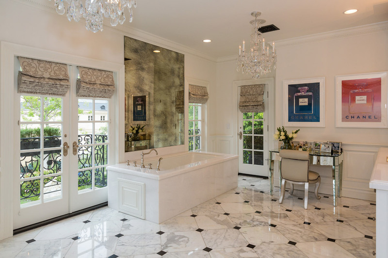 15_mesmerizing_bathroom_designs_to_inspire_you_in_2021 bathroom 15 Mesmerizing Bathroom Designs to inspire you in 2021 15 mesmerizing bathroom designs to inspire you in 2021 tracy design