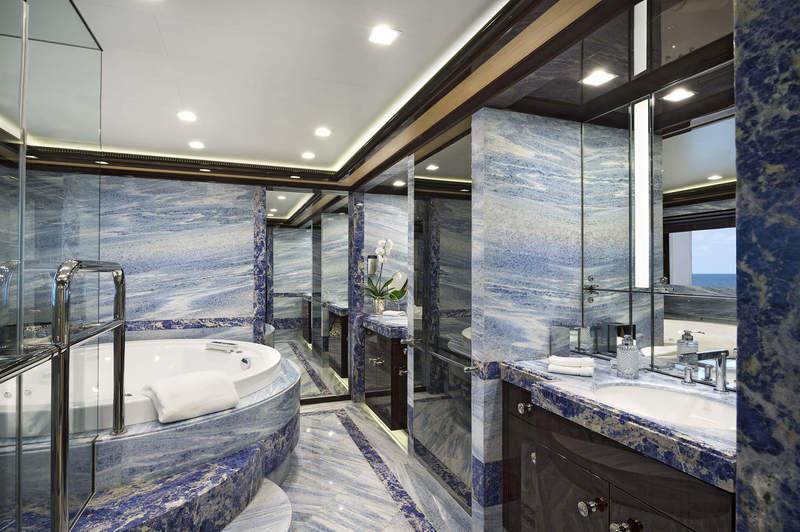 alberto pinto Bathrooms That Impress and Alberto Pinto's Incredible Versatility Bathrooms That Impress and Alberto Pintos Incredible Versatility 3