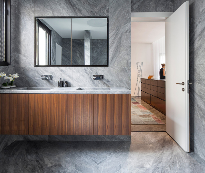Tal Goldsmith Fish and Sumptuous Minimalism: Bathrooms that Impress tal goldsmith Tal Goldsmith Fish and Sumptuous Minimalism: Bathrooms that Impress Bathrooms that Impress Tal Goldsmith Fish and Sumptuous Minimalism2