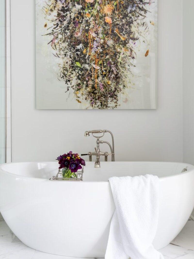 Inspirational Guide for Bathroom Decor: White Bathrooms by Alexandra Kaehler white bathrooms Inspirational Guide for Bathroom Decor: White Bathrooms by Alexandra Kaehler Inspirational Guide for Bathroom Decor White Bathrooms 1