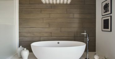 elizabeth krueger A Guide for Bathroom Decor: White Bathrooms by Elizabeth Krueger Inspirational Guide for Bathroom Decor White Bathrooms by Elizabeth Krueger1 370x190