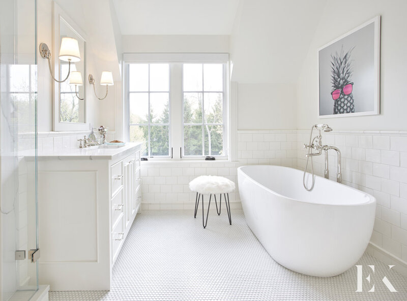 A Guide for Bathroom Decor: White Bathrooms by Elizabeth Krueger elizabeth krueger A Guide for Bathroom Decor: White Bathrooms by Elizabeth Krueger Inspirational Guide for Bathroom Decor White Bathrooms by Elizabeth Krueger2