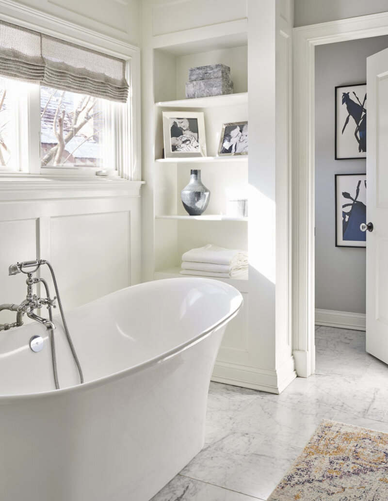 A Guide for Bathroom Decor: White Bathrooms by Elizabeth Krueger elizabeth krueger A Guide for Bathroom Decor: White Bathrooms by Elizabeth Krueger Inspirational Guide for Bathroom Decor White Bathrooms by Elizabeth Krueger3