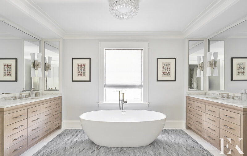 A Guide for Bathroom Decor: White Bathrooms by Elizabeth Krueger elizabeth krueger A Guide for Bathroom Decor: White Bathrooms by Elizabeth Krueger Inspirational Guide for Bathroom Decor White Bathrooms by Elizabeth Krueger4