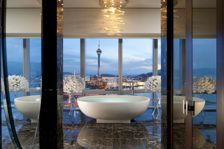 hotel bathrooms Hotel Bathrooms: 6 Inspirational Luxury Oasis At Its Best Mandarin Oriental Group Collection The Wonder Hotels to Find in Asia 8
