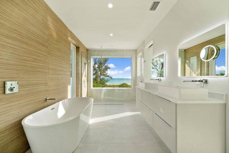 Emily Moss: Summer Bathroom Design Ideas